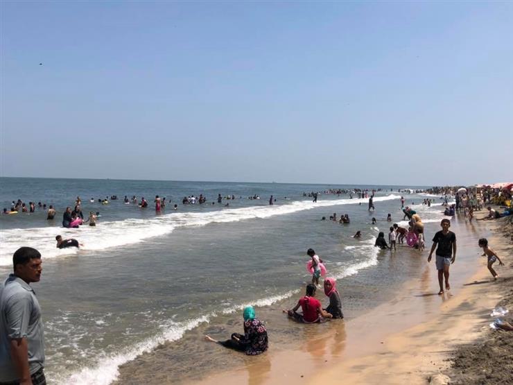 في الموجة الحارة.. 9 أخطاء صحية يرتكبها المصيفون على الشاطئ