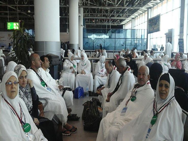 """مطار القاهرة يبدأ استقبال الحجاج """"المتعجلين"""""""