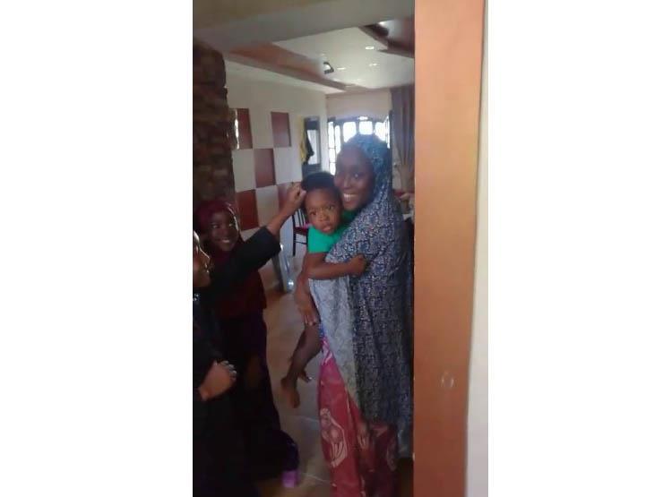 الحماية المدنية بالقاهرة تستجيب لاستغاثة سيدة قفلت الباب على طفلها