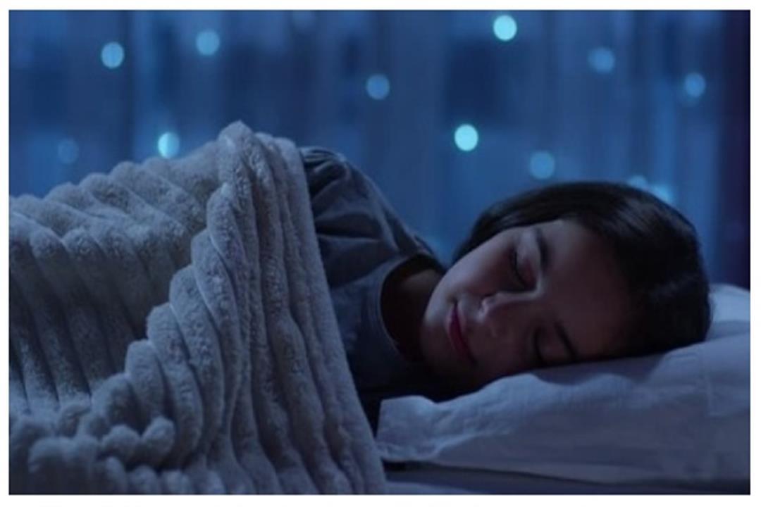 التفاؤل يحسن جودة النوم ويقي من الأرق