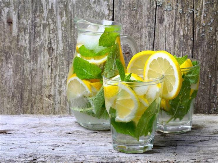 بعد الفتة واللحمة.. 6 مشروبات تخلص جسمك من السموم