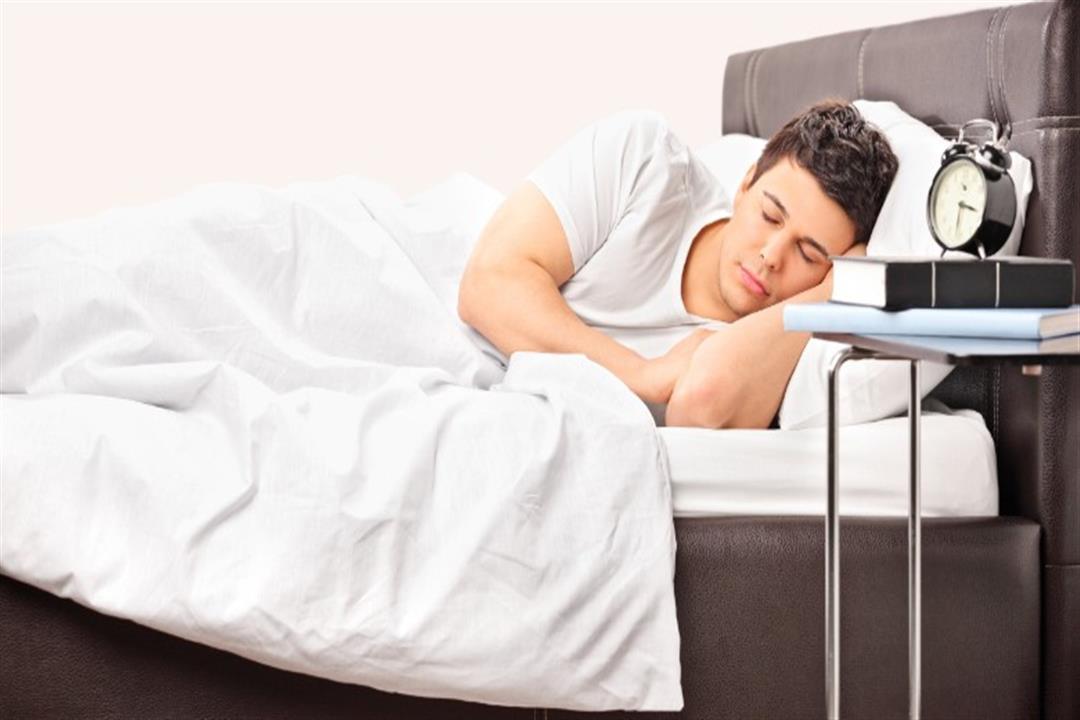 تحذير.. النوم نهارا ينذر بالإصابة بألزهايمر