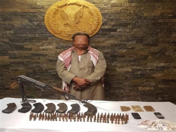 القبص على هارب من حكم مؤبد منذ أحداث ثورة 25 يناير وبحوزته سلاح ومخدرات