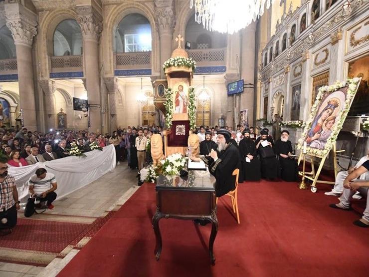 البابا تواضروس يكرم أوائل الثانوية والدبلومات والجامعات بالإسكندرية