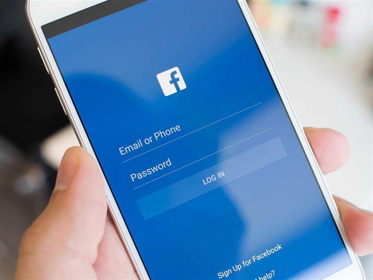 """""""فيسبوك"""" تختبر الوضع الليلي في تطبيقها الأساسي"""