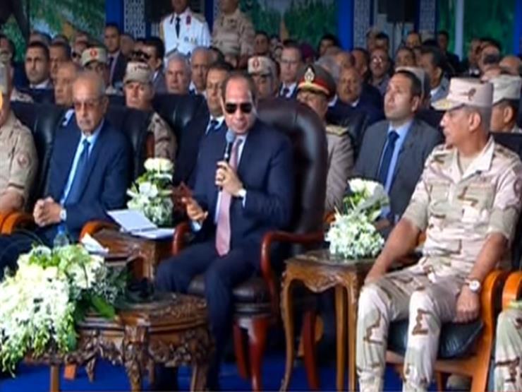 """""""بتقبض كام؟"""".. السيسي يفاجئ رئيس """"الوطنية للزراعات المحمية"""" بسؤال عن راتبه"""