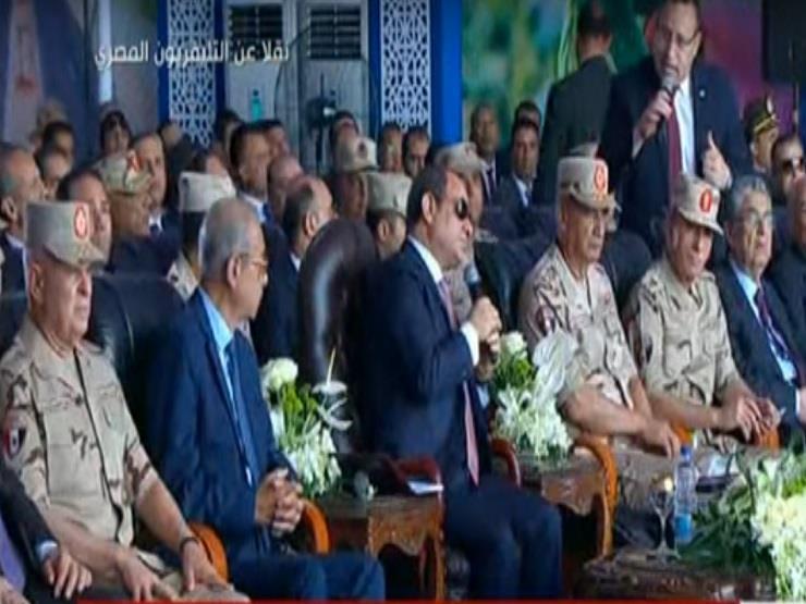 خلال الحديث عن محور المحمودية.. السيسي لمحافظ الإسكندرية: أنت لسه هتدرس؟