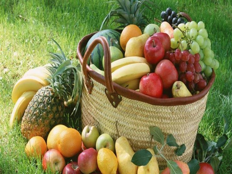كالبرتقال والبطيخ.. ماذا يحدث لجسمك إذا تناولت الفاكهة بقشرها؟