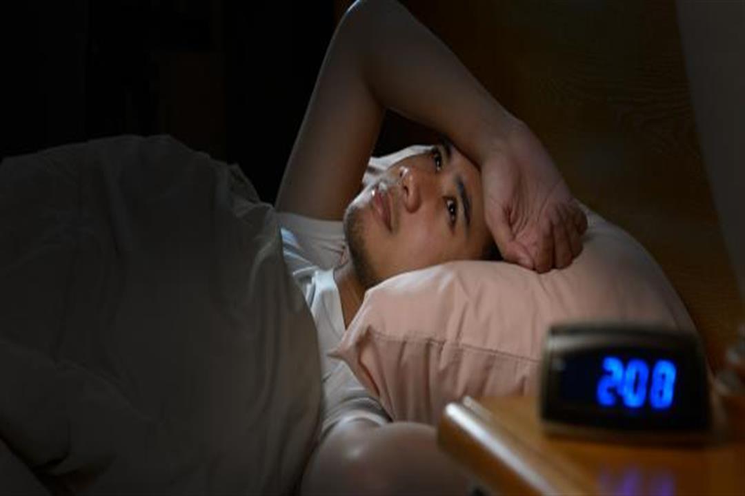 للنوم بعمق.. دليلك للتخلص من الشعور بالأرق (فيديو)