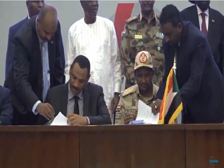 رسميًا.. المجلس العسكري والحرية والتغيير يوقعان اتفاق السودان