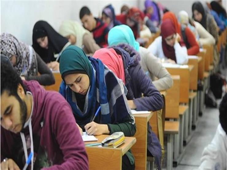 """رصد 5 حالات غش باستخدام المحمول في امتحان """"الإنجليزي"""" للثانوية العامة"""