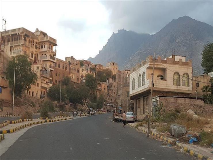 ثالث وزارة بالحكومة اليمنية تعلق عملها في عدن
