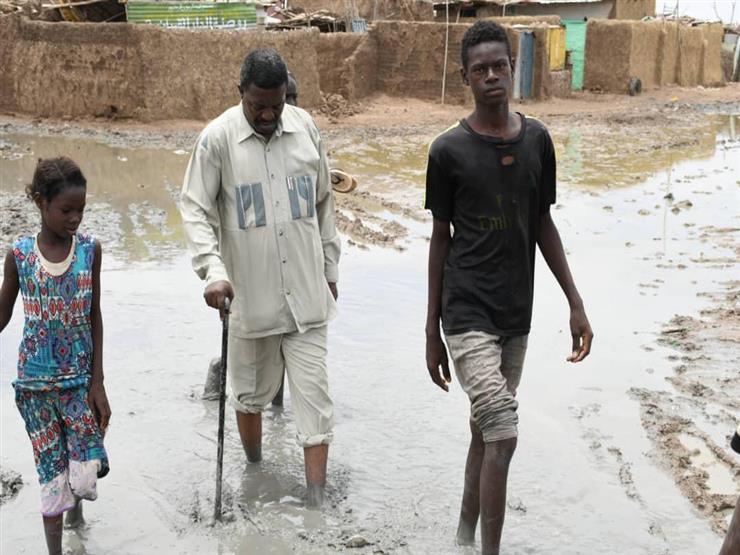 """""""منهم من انهار عليه المنزل"""".. 46 قتيلا جراء السيول في السودان"""