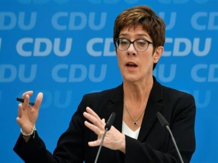وزيرة الدفاع الألمانية الجديدة تصل إلى الأردن