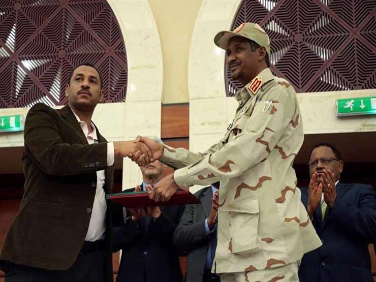 انقسام في المعارضة يؤجل حل المجلس العسكري بالسودان.. ماذا حدث؟