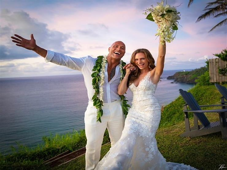 "بالصور.. حفل زفاف ""ذا روك"" على شواطئ هاواي"