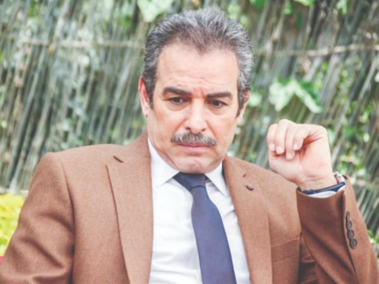 """أحمد عبد العزيز ردًا على أيمن بهجت قمر وعمرو محمود ياسين: """"عيب كده"""""""