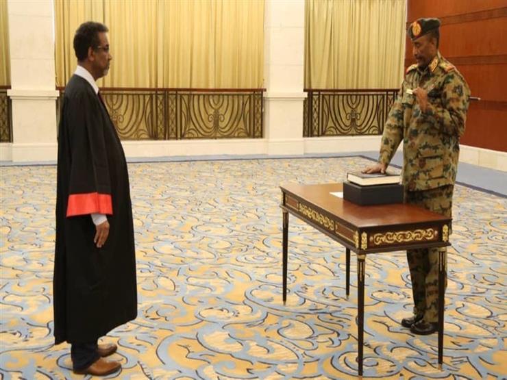 البرهان يؤدي اليمين الدستورية رئيسًا للمجلس السيادي السوداني (فيديو)