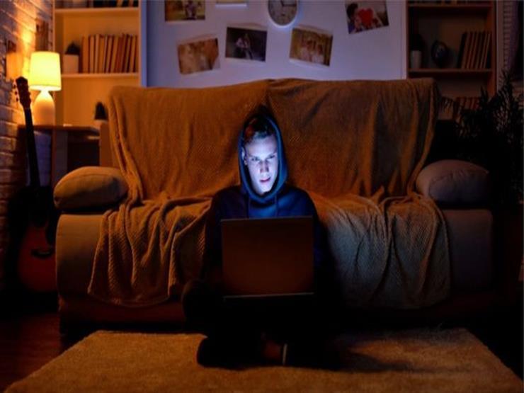 أولاد البيض في أمريكا: كيف أثر التطرف على الإنترنت في عقولهم؟
