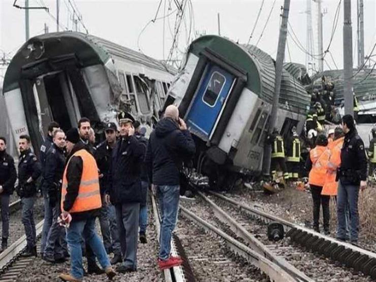 إصابة 20 شخصا إثر خروج قطار عن القضبان في كاليفورنيا