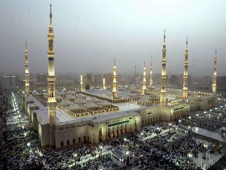 خطيب المسجد النبوي يحذر من البحث عن عيوب الناس وتتبع عوراتهم: خطر جسيم