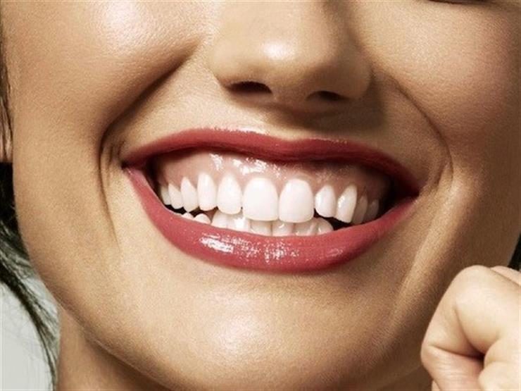 3 أسباب وراء الابتسامة اللثوية