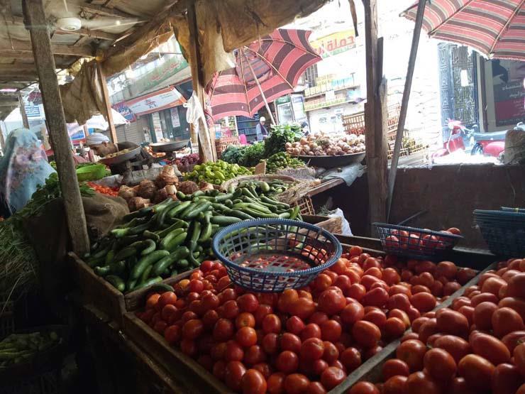 ارتفاع الخيار والبامية.. أسعار الخضر والفاكهة في سوق العبور اليوم