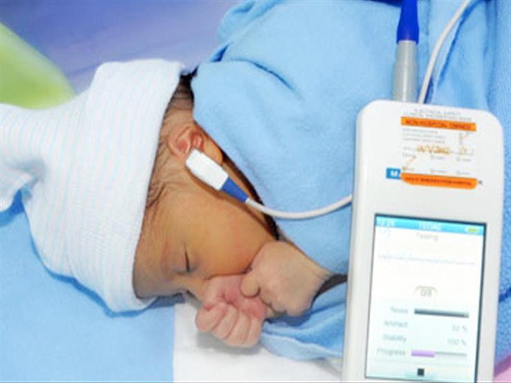 مسح سمعي للأطفال حديثي الولادة بـ٢٥ وحدة صحية في الأقصر