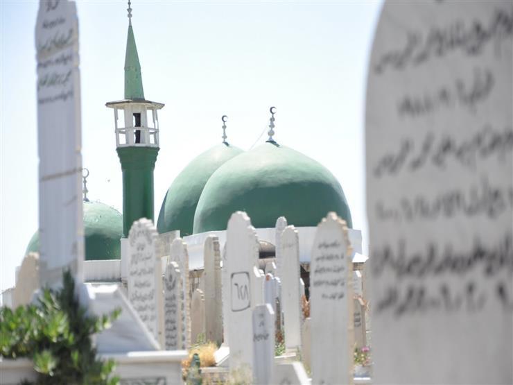 هل يجوز شرعاً تجديد المقام المبني داخل المقابر؟.. تعرف على رد الإفتاء