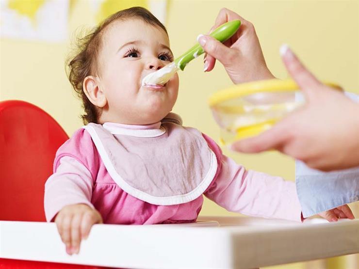 نصيحة ذهبية للحفاظ على صحة ظهر الرضيع
