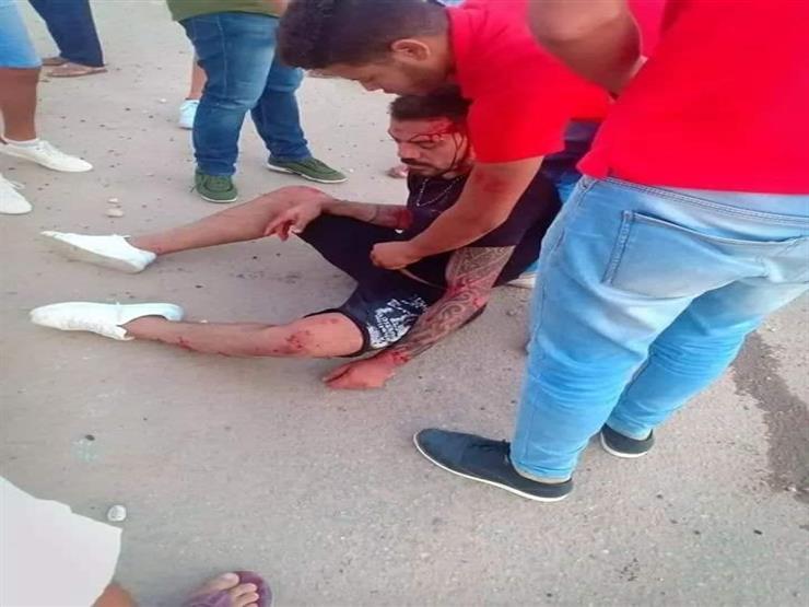 """""""بيتكلم خفيف وببطء"""".. شقيق عمرو زكي يكشف تفاصيل جديدة عن الحادث المروع"""