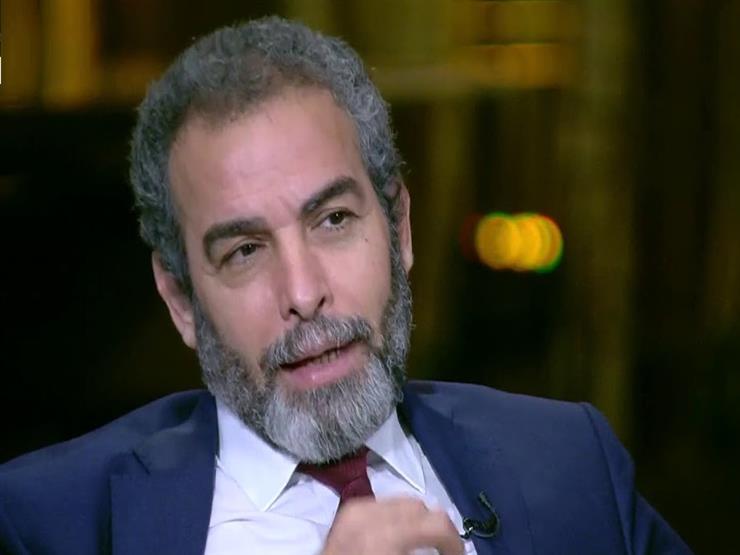 """""""بفرح بيها جدا"""".. أحمد عبدالعزيز عن """"الكوميكسات"""" الساخرة من أدواره"""
