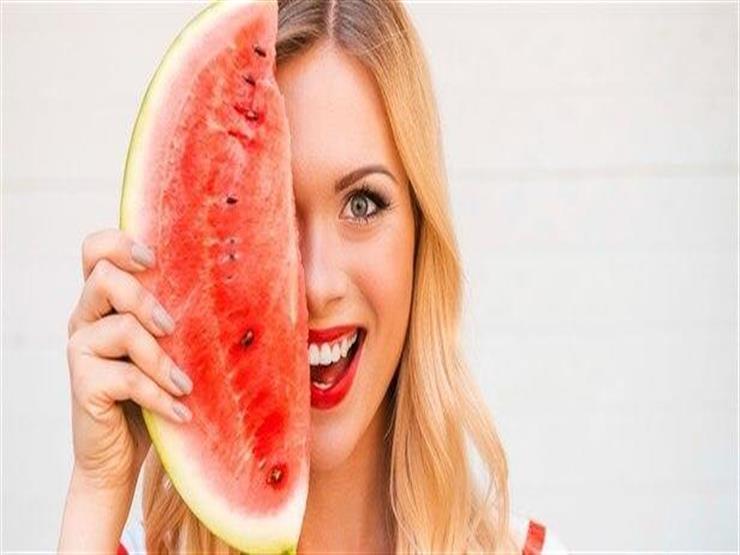 من البطيخ.. 8 خلطات تجميلية لبشرتك