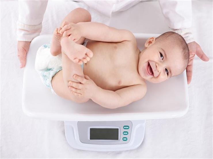 في عامه الأول.. تعرف على الوزن الصحي للطفل