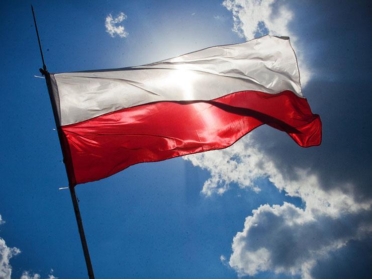 بولندا تعتقل شخصًا بشبهة التخطيط لهجوم إرهابي على مركز تسوق