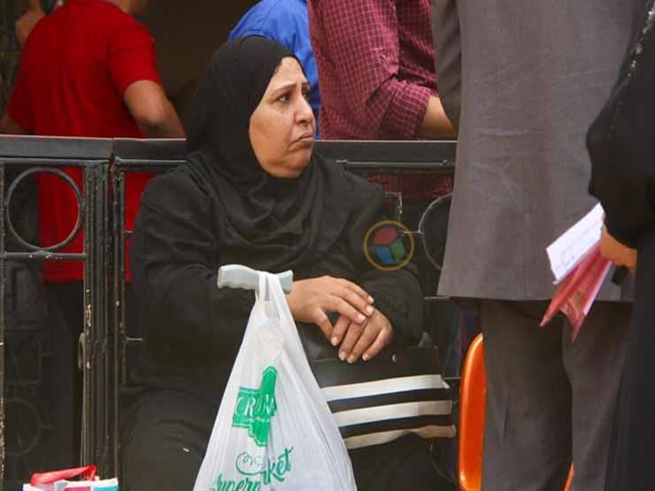 بعد حادث الانفجار.. مرضى ينتظرون أمام معهد الأورام على أمل العلاج