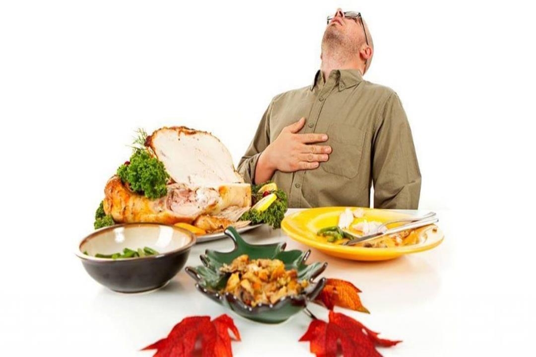 تهددك بالجلطة.. 7 عادات غذائية خاطئة في العيد | الكونسلتو