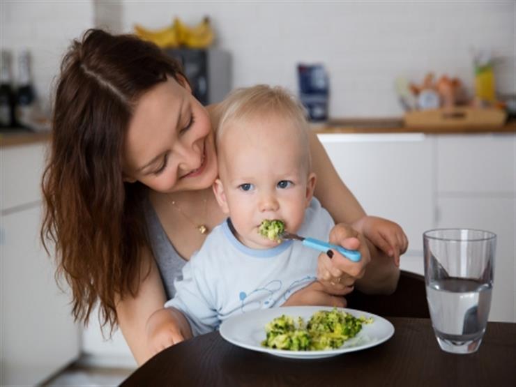 هذه الأطعمة تزيد نسبة ذكاء طفلك.. منها البروكلي