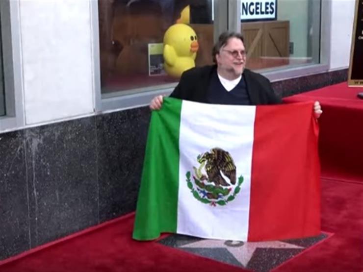 """هوليوود تُكرّم المخرج المكيسكي """"ديل تورو"""" بنجمة في ممشى المشاهير"""