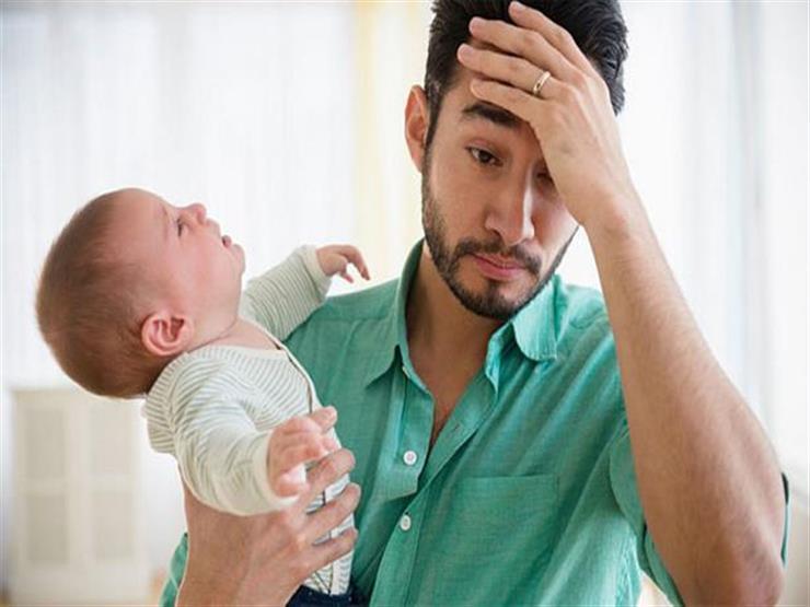 هل يصاب الرجال باكتئاب ما بعد الولادة؟