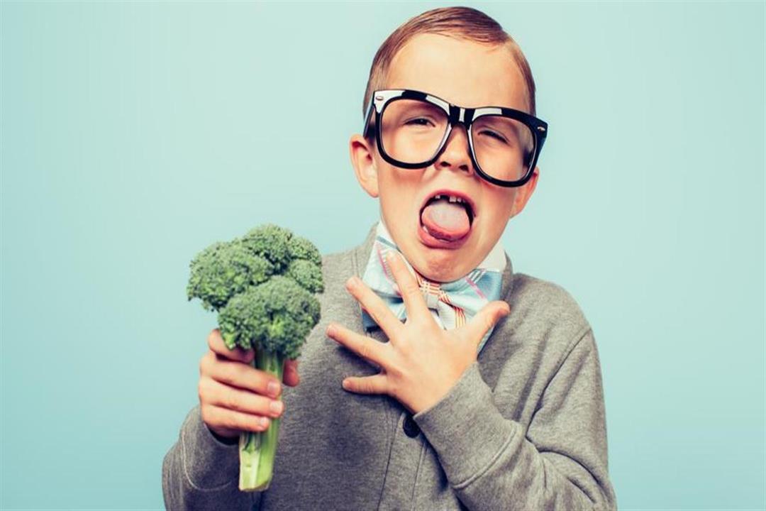 9 نصائح تجعل طفلك يحب الطعام الصحي