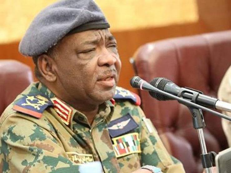 عضو بالمجلس العسكري السوداني: البرهان سيتولى رئاسة المجلس السيادي وحميدتي نائبا له
