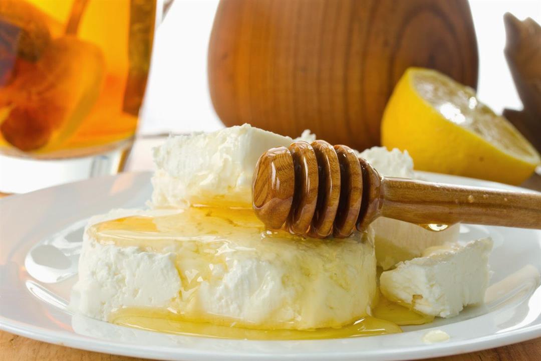 هل تفضل القشدة بالعسل؟.. إليك فوائدها الصحية