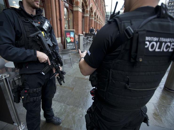 """شرطي لندن """"في حالة مستقرة"""" بعد تعرضه لهجوم بمنجل"""