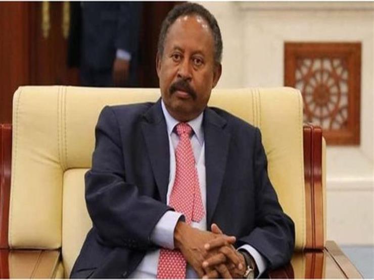 رئيس وزراء السودان يؤكد ضرورة وضع حلول جذرية لأزمة المواصلات