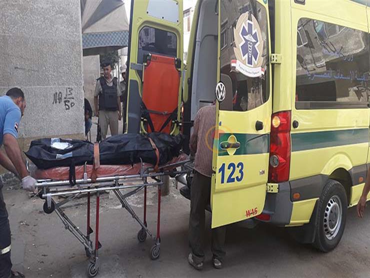 جثة مجردة من الملابس وسكين مدمم..  العثور على شاب مقتولًا بـ 26 طعنة في الإسكندرية