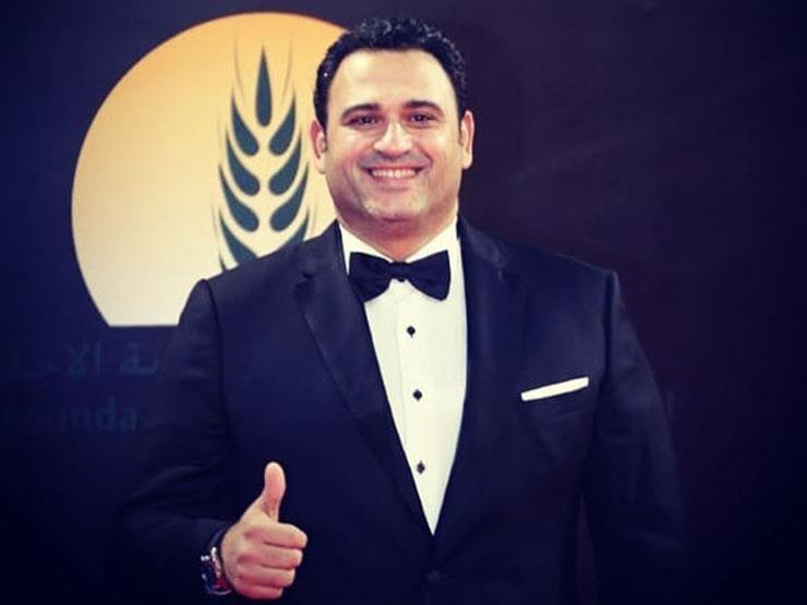 """صلاح عبد الله يهنئ أكرم حسني بعيد ميلاده: """"الكرم أكرم"""""""