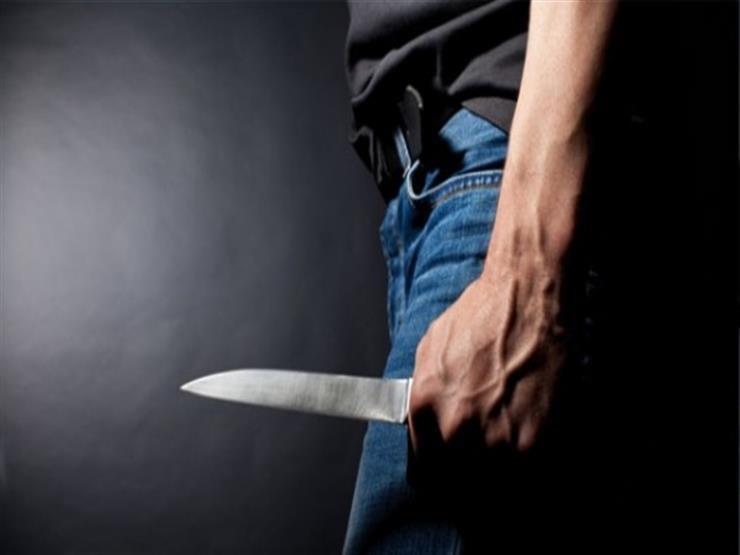 """""""جريمة في نص الشارع"""".. عاطل يغرز سكينا في صدر سايس بفيصل"""