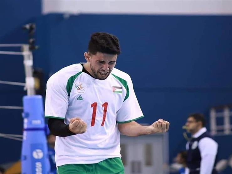 باسل الفلسطيني.. قصة لاعب يحترف اليد والطائرة والسلة في آنٍ واحد