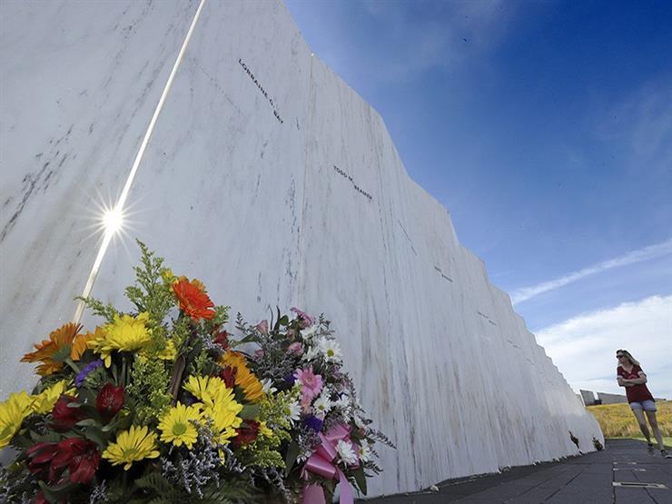 """""""لحظة صمت ورسائل تذكارية وورود"""".. كيف يُحيي الأمريكيون ذكرى 11 سبتمبر؟"""
